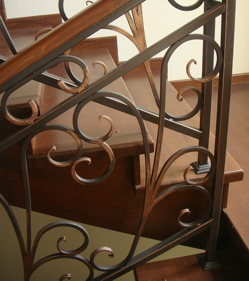 kovanyx_peril_na_balkon_1