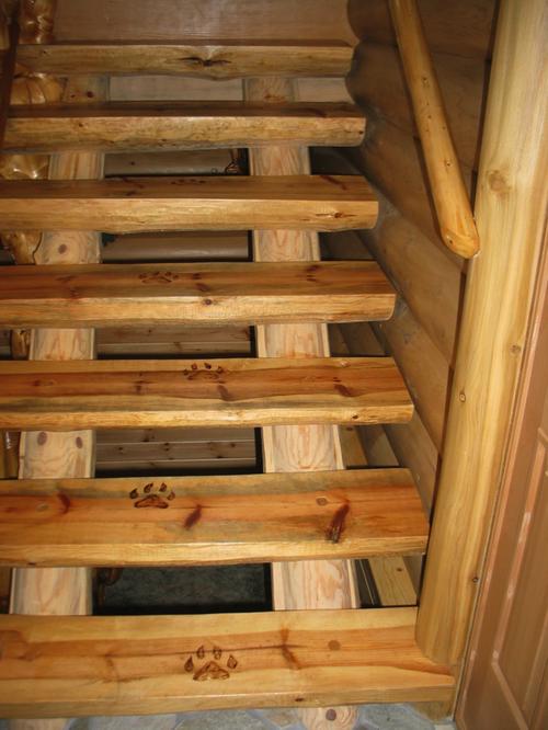 Все про лестницы из бруса: техника возведения