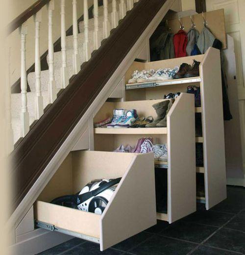 Инструкция как сделать полки под лестницей