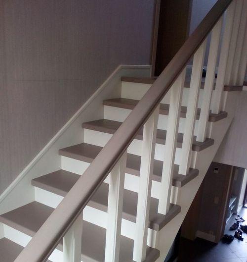 Двухцветная лестница